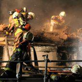Feuer am Dach sicherer bekämpfen