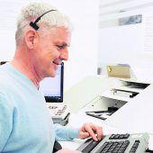 Blinder Telefonist trotzt Handicap mit viel Fingerspitzengefühl