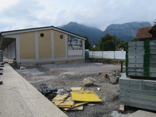 Es tut sich was nahe der FH: Derzeit wird die alte Postgarage durch einen Zubau für ein Café erweitert.