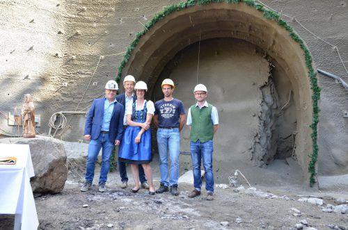 Feierlicher Start für den Tunnelbau in Au mit Stollenpatin Magdalena. mam