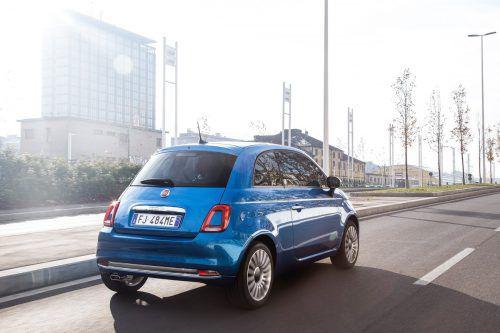 Fiat will Mitte 2020 eine elektrische Variante des Kleinstwagens 500 auf den Markt bringen. Die Italiener rüsten nun ihr Werk in Mirafiori für rund 700 Millionen Euro entsprechend um, geplant ist eine Jahresproduktion von zunächst 80.000 Fahrzeugen. Die Vorserienfertigung des neuen Stromers soll bereits Ende 2019 starten.