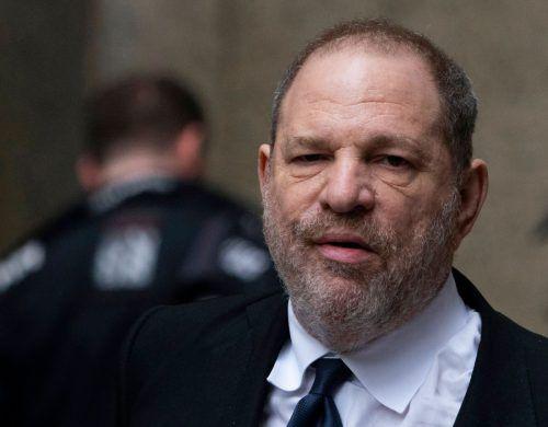 Der Prozess ist auf rund sechs Wochen angelegt. Weinstein, derzeit gegen Kaution auf freiem Fuß, droht bei einer Verurteilung lebenslange Haft. AFP