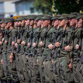 64 neue Soldaten