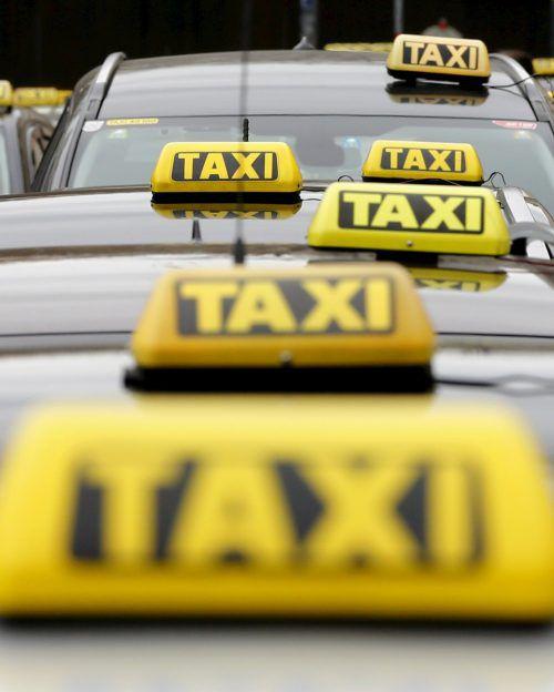 Für Taxis und Mietwagen gibt es künftig einheitliche Standards. Das Vorarlberger Start Up Holmi kritisierte die Änderungen bereits im Vorfeld scharf. reuters
