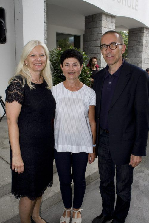 Gratulanten Michaela Wagner-Braito, Elisabeth Geser und Walter Schmolly.