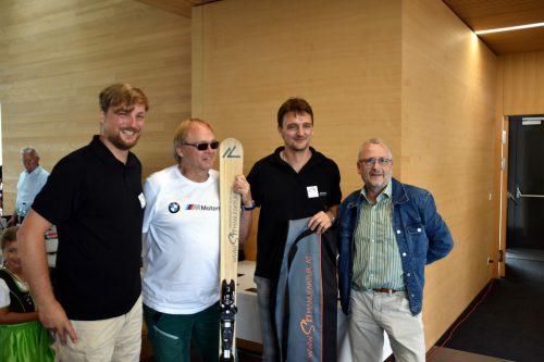 Höhepunkt war die Verlosung eines Paars handgefertigter Skier der Brüder Patrick und Marcel Eberle von der Skimanufaktur Buch.BP