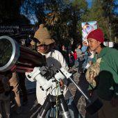 Himmelsspektakel zieht Tausende Touristen und Forscher an