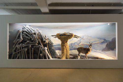 """In """"Diorama Bregenz :: Der letzte Mensch"""" schicken Bernhard Mikeska und Lothar Kittstein die Zuschauer auf Zeitreise in die Geschichte der Region um Bregenz.Vlt/heinz holzmann"""