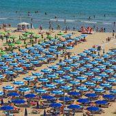 Behörden verhängen Badeverbot an der Adria