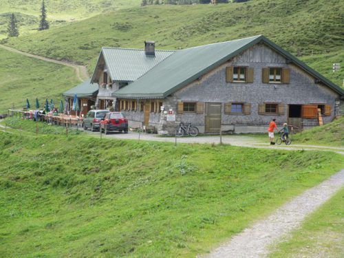In Röns werden Ideen zur Alpe Els gesammelt. Seniorenring bludenz