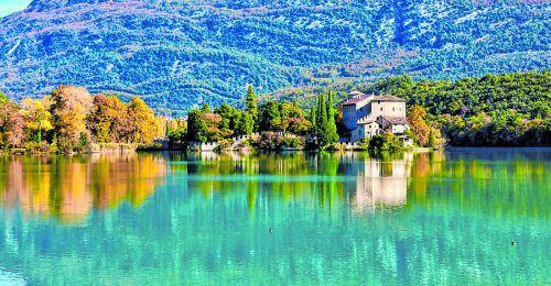 In wunderschöner Lage befindet sich das Schloss Toblino am gleichnamigen See.