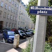Unbekannter stach in Wien auf zwei Frauen ein