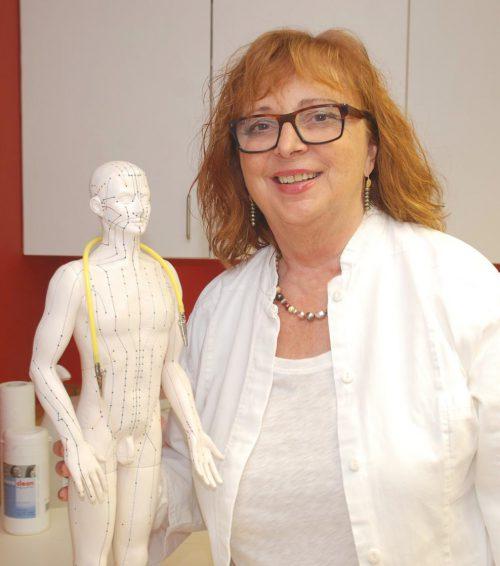 Irmgard Simma ist eine Verfechterin der ganzheitlichen Zahnheilkunde und begründete auch die schon traditionellen Festspielgespräche.vn