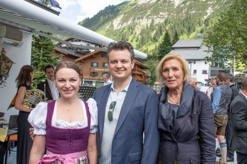Julia Novikova (Sopran) mit Dmytro Popov (Tenor) und Marlies Wagner.