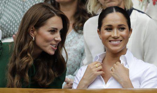 Kate und Meghan hatten sichtlich Spaß. Gerüchte, dass sich die beiden nicht verstehen, scheinen sich nicht zu bestätigen. AP