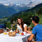 """<p class=""""infozeile"""">               Kristberg im silbertal – der              </p><p class=""""infozeile"""">               genießerberg im montafon             </p><p class=""""infozeile"""">Einen erlebnisreichen Tag verspricht ein Ausflug mit der Montafoner Kristbergbahn Silbertal. Für einen optimalen Start in den Tag wird täglich ein feines Montafoner Bergfrühstück (Reservierung erbeten) angeboten. Gut gestärkt kann man anschließend wählen zwischen vielen Rundwanderungen (teils kinderwagentauglich) mit gemütlichen Einkehrmöglichkeiten, Mountainbike- oder E-Bike-Touren, einem Besuch in der Waldschule, einer unterhaltsamen Knappenführung in der St.-Agatha-Kapelle oder einem der Erlebnisse rund um """"Silbi""""in der """"Silberspielwelt"""" mit neuer Zwölf-Meter-Kurvenrutsche.</p>"""