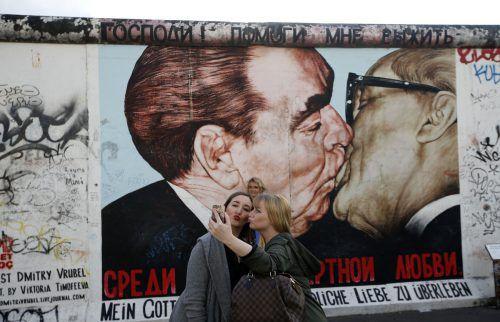 Küssen gehört dazu – für Liebende, aber auch für Freunde und Bekannte. Reuters
