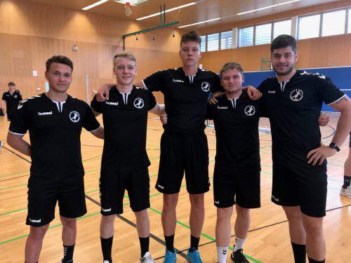 Leise Vorfreude auf die kommenden Testwochen bei Kevin Radic, Severin Lampert, Dian Ramic, Claudio Svecak und Ante Esegovic (von links).Cirit