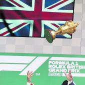 Hamilton siegt in seinemWohnzimmer, Strafe für Vettel