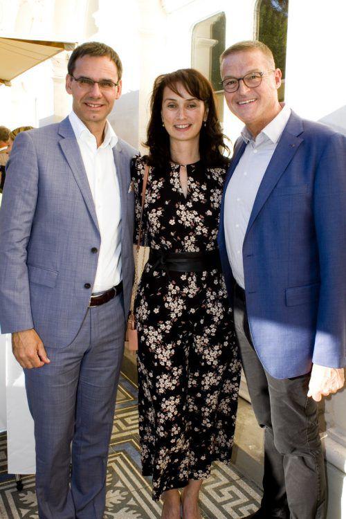 LH Markus Wallner und Sonja sowie LR Christian Bernhard. franc