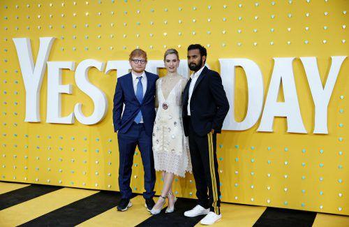 """Lily James mit ihren Filmpartnern Ed Sheeran und Himesh Patel. Sie spielen alle gemeinsam in """"Yesterday"""" mit.Reuters"""