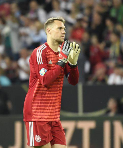 Manuel Neuer fordert Verstärkungen von seinem Arbeitgeber Bayern München. afp