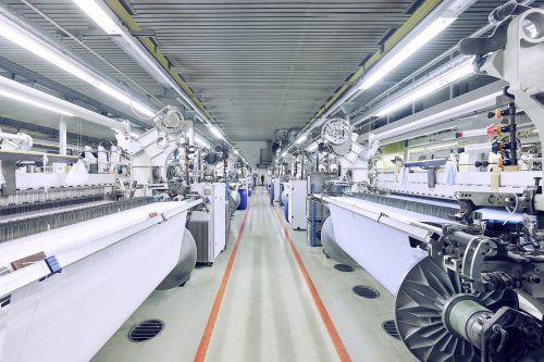 Neue Verfahren werden bei Getzner Textil in Bludenz entwickelt und umgesetzt (im Bild: die Weberei von Getzner). FA/Hagen