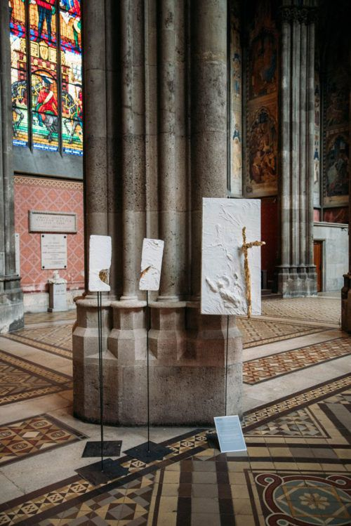 """""""Passion Christi"""" umfasst in Skulpturen die letzten 40 Tage von Jesus Christus. S.Jeanne"""