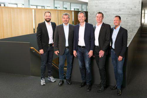 Prokurist Tobias Forer-Pernthaler, die Geschäftsführer Reinold Meusburger und Karlheinz Bayer, die Prokuristen Andreas Deuring und Andreas Nussbaumer. D.Mathis