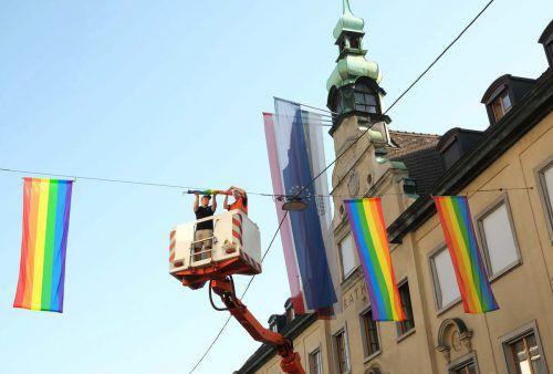 Regenbogenfahnen: Symbol für friedliches Miteinander in einer bunten Gesellschaft.