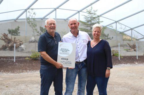 Robert Holler (mit Gattin Heike und Wildpark-Präsident Wolfgang Burtscher) übernimmt die Patenschaft für alle Birkhühner.emir t. uysal