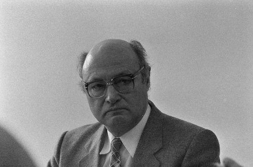 Rohbaubesichtigung mit Bundespräsident Rudolf Kirchschläger, 1979. v.l.n.r.: Fritz Mayer, Rudolf Kirchschläger, Ernst Bär, Ingeborg Keßler, Siegfried Gasser, Herbert Keßler.