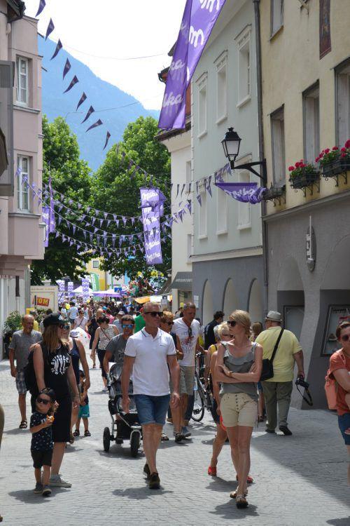 Rund 30.000 Besucher pilgerten am Wochenende in die Alpenstadt nach Bludenz zum großen Schokofest. mondelez