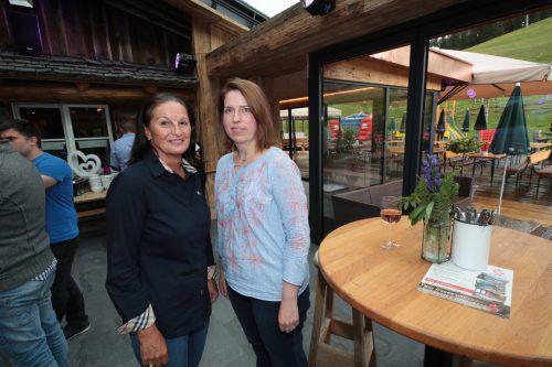 Sabine Hueber und Architektin Alexandra Czernia.