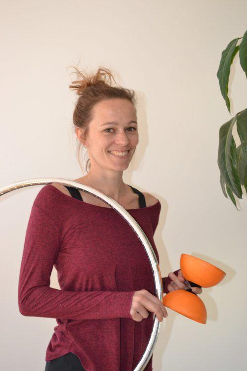 Schon während der Ausbildung und der späteren Arbeit entdeckte Sarah Bont das Unterrichten für sich. bi