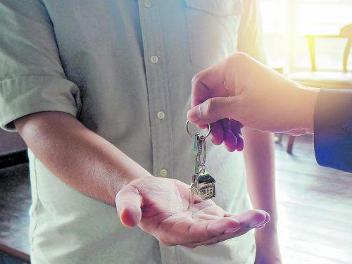 Sicherheit Höchstmögliche Sicherheit zum Erhalt der hochwertigen Wohnräume ist für viele Eigentümer besonders wichtig.foto: Shutterstock; Rainer Sturm_pixelio.de