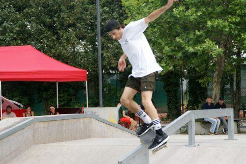 Spektakuläre Grinds und Tricks zeigten die Teilnehmer beim Skate-Contest.