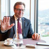 Scheuer lädt Platter und Reichhardt ein