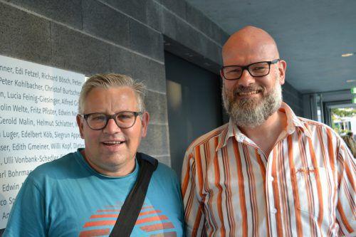 Vernissagegäste Erwin Buttazoni (l.) und Thorsten Diekmann.