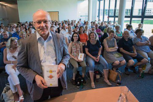 Vollbesetzt war der Veranstaltungsraum im Medienhaus beim Vortrag von Reinhard Haller. Vn/steurer