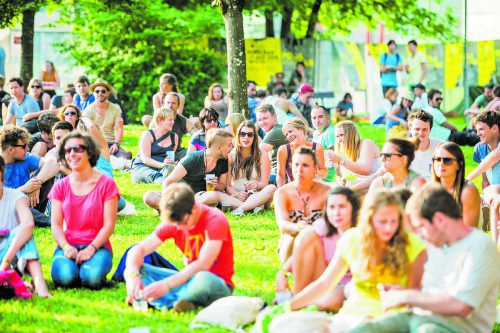 """Zu den Highlights gehört das """"poolbar auf der Wiese"""" Open Air am 11. Juli 2019 mit Bilderbuch und sechs weiteren Bands.matthias rhomberg"""