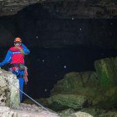 Taucher retten eingeschlossene Männer aus Falkensteiner Höhle