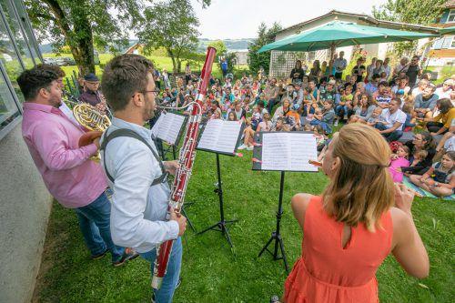 """Am Freitagnachmittag wurde im Rahmen von Klassik Krumbach das musikalische Märchen """"Peter und der Wolf"""" für Kinder aufgeführt. SAMS"""