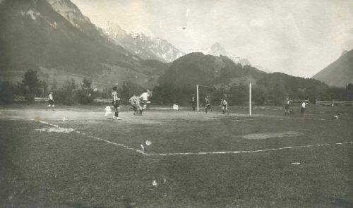 Am Fußballplatz im Bremschl spielte der FC Bludenz Anfang der 1920er-Jahre.schwald