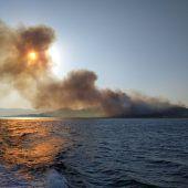 Waldbrände wüten in Griechenland: Touristen evakuiert