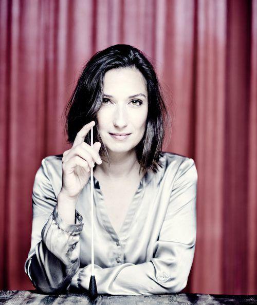 Ariane Matiakh präsentiert mit dem SOV ein Orchesterkonzert, in dem sich alles um Don Quijote dreht.                              marco borggreve/ariane matiakh