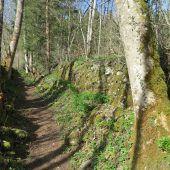 Schotter für die Natursteinmauern