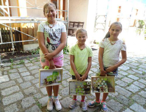 Auch Sofie, Elena und Nora Tauber aus Oberschan (St. Gallen) besuchten Stoffels Säge-Mühle.tf