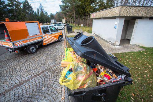 Auf den Autobahnraststätten wird viel Abfall entsorgt.steurer
