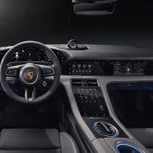 Autonews der WochePorsche Taycan mit bis zu fünf Displays / Zweite Generation des Mercedes-Benz GLE Coupé / Seat Tarraco bald auch als Plug-In-Hybrid